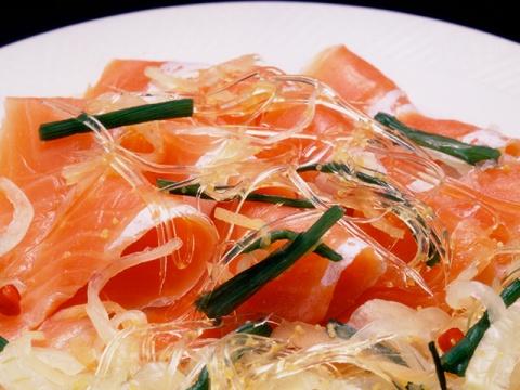 紅鮭ふかひれマリネ